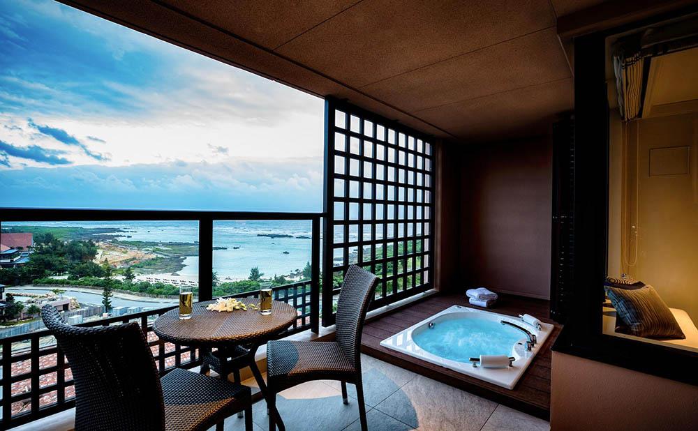 宮古島の自然美が囲むラグジュアリーホテル