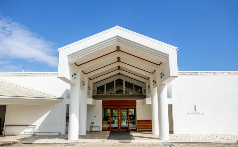 大村湾を望む名門ゴルフ場が有名なリゾートホテル