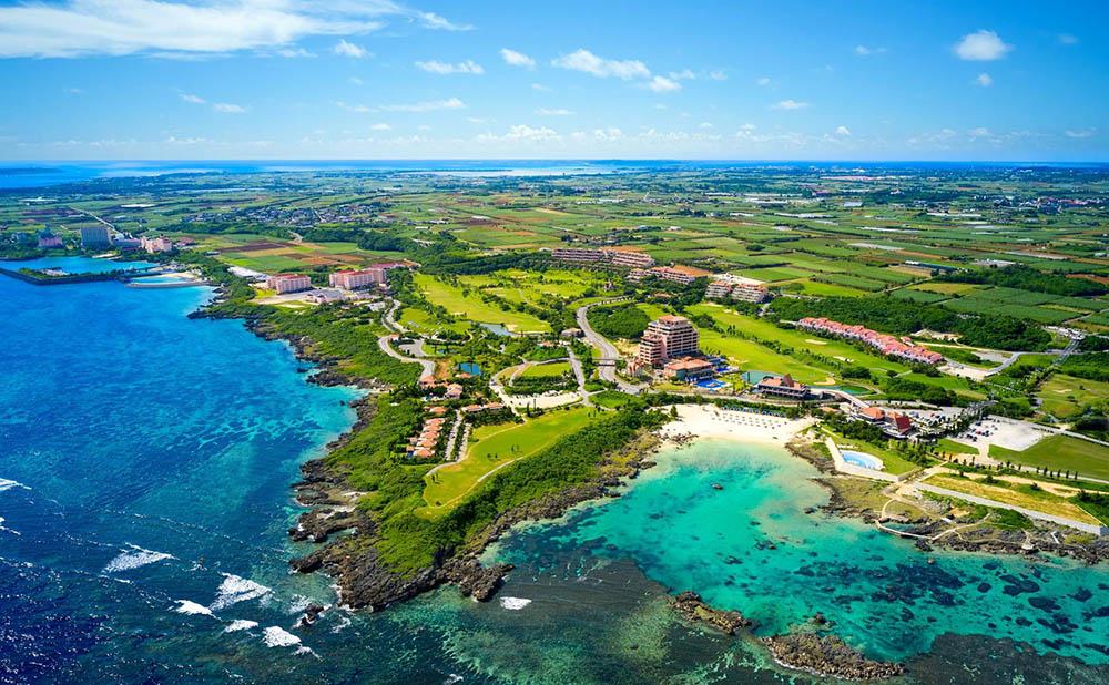 宮古島の自然美が囲むラグジュアリーホテル 絶景を眺める